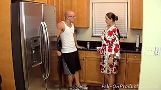 [Taboo Passions] Son get's nasty with stepmother Madisin Lee in Gotta Workout