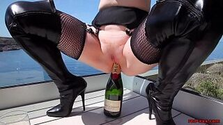 Mommy Red XXX fucks a champagne bottle open space