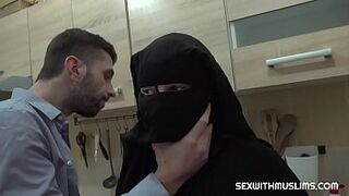 Hairy muslim matron was punished by heavy intercourse