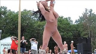 Naked Large Big Boobs Strippers Dancing in Open Space - xdance.stream