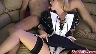 Canadian Maid Shanda Fay Services her Customer with a BJ!