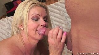 Absolutely flawless stepmother Franny on younger penis
