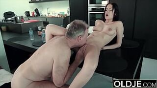 Large penis dude fucks young lady tart in her stiff pinky peach