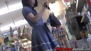 Spied japanese beauty queen cums