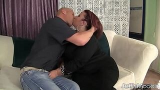 Cute Plumper Matron Lynn Is Screwed in Her Vagina Before Making the Boy Jack Off i
