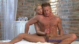 Massage Rooms Excited Platinium has squirting good time with muscular man