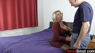 Mommy woman invites neighbor for butthole sex act