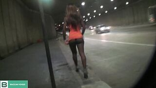 Darkis lifting the dress in open space in the middle of the city's traffic. ( Full video in xvideos red )