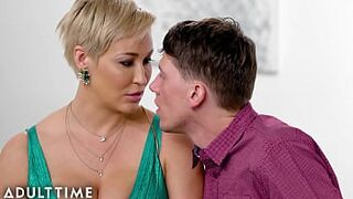 MATURE TIME - Cunning Stepson Swindles Honey Sexual Intercourse With Chesty stepmother Grown-Up Ryan Keely