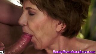 Faketit grandma jizzed in mouth after fucking