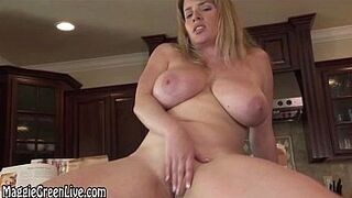 Naked Chef Maggie Green Plays With Her Pinky Peach on Kitchen Counter!
