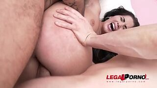 Loren Minardi banged to the limit - 5on1 gangbang with DP & immense sperm on the face