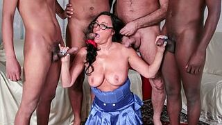 SCAMBISTI MATURI - Steamy racially mixed gangbang with mother in law Italian inexperienced and 4 studs