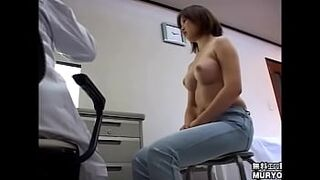 Devil's Obstetrics and Gynecology Examination Hidden Camera File05-A 21-year-old lady college student Kumi with a chubby body uterine pain interview