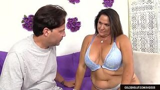 Older Bitch Leylani Wood Takes a Long Prick in Her Mouth and Vagina