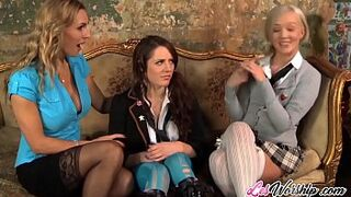Trio homosexual girl vagina licking with stepmother