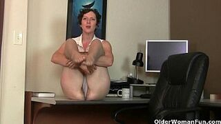 Large clit grown-up Raquel and hairy vagina mama Artemisia in nylon