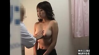 [20-year-old Student Kana who is irresistibly erotic in the sex act appeal of a thirty woman] Obstetrics and Gynecology Examination File01 Interview / Palpation