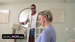 Slutty Mama Gets Into Private Property And Gets Her Giant Phat Bum Nailed By Hippie Dude With Massive Penis