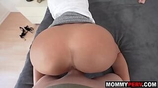 Sexy mother gives creaming the cock to wake up son