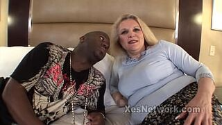 Large Butt Light-Colored Mommy Mount a Inky Penis in Multiracial Video