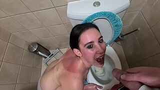 Piss slave likes getting her face and mouth covered in piss, toilet licking