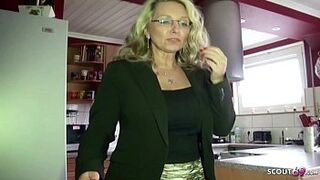 ROCK BUTTHOLE SEXUAL INTERCOURSE FOR GERMAN MATURE MOM TUTOR AT PRIVAT TUTORING