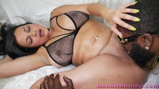 Phat BUM Persian mommy Mona Azar Takes 10 Inch Inky Penis Deep in her Rigid Vagina