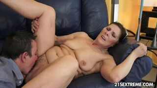 Penis-hungry GILF Margo and her Newest Chap Toy