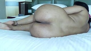 DESI PLUMP BUTT SPREADING HER LEGS SHOW BOOTY HOLE FOR BUTTHOLE INTERCOURSE
