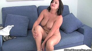 Stepmother MILF with enormous bobbies gets finger humped