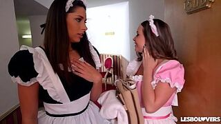 Lesbian Lovers Zafira & Rachele Richey Screwed by Maid Cathy Heaven