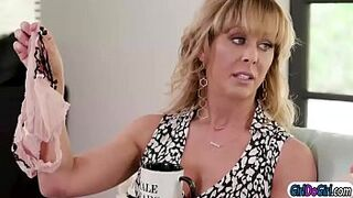 Chesty mature mom licks her bfs daughters pinky peach and bum facesit her